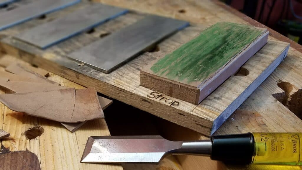 putting compound on leather strop